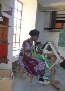 Anna spinning wool for rugs